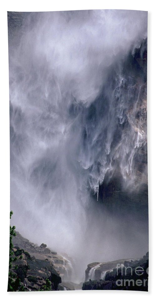 Waterfall Hand Towel featuring the photograph Falling Water by Kathy McClure