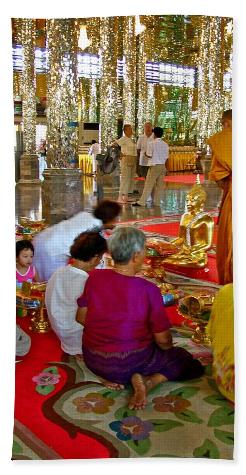 Families Awaiting Teaching From A Monk At Wat Tha Sung Temple In Uthaithani Bath Towel featuring the photograph Families Awaiting Teaching From A Monk At Wat Tha Sung Temple In Uthaithani-thailand by Ruth Hager