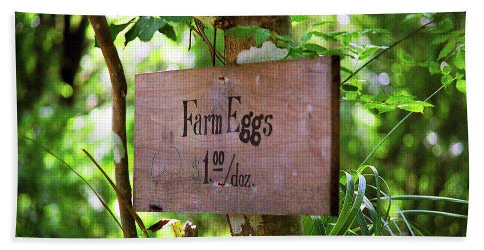 Ad Bath Sheet featuring the photograph Farm Eggs by Frank Romeo