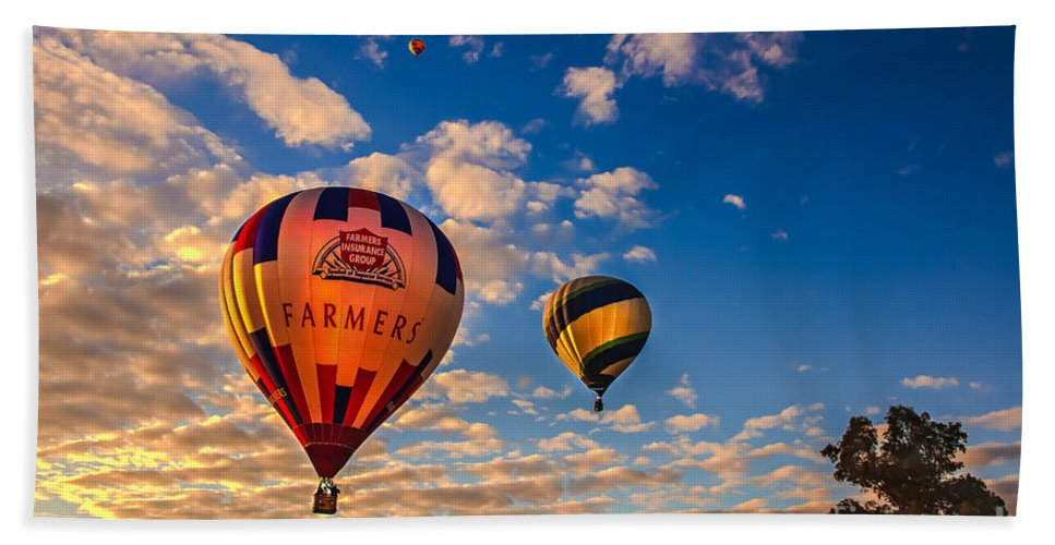 Arizonia Hand Towel featuring the photograph Farmer's Insurance Hot Air Ballon by Robert Bales