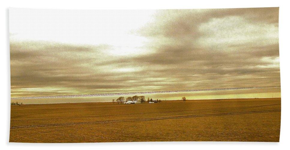 Illinois Bath Sheet featuring the photograph Farmhouse Island by Susan Wyman