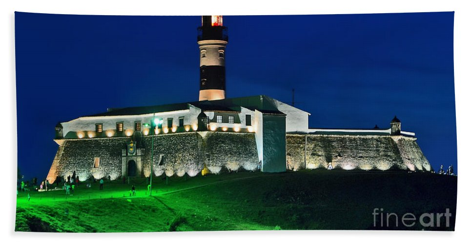 Bahia Bath Sheet featuring the photograph Farol Da Barra - Salvador - Bahia by Carlos Alkmin