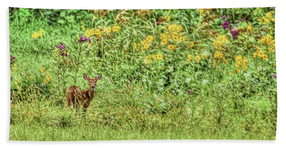 Fawn Hand Towel featuring the photograph Fawn In Flowers by Shirley Tinkham
