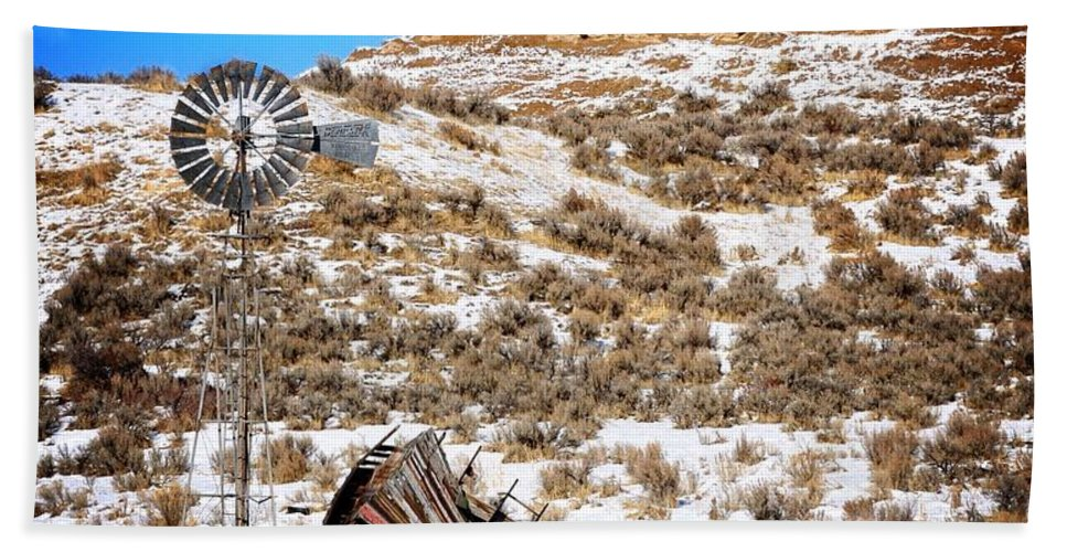 Idaho Hand Towel featuring the photograph Feeling The Wind by Image Takers Photography LLC - Laura Morgan