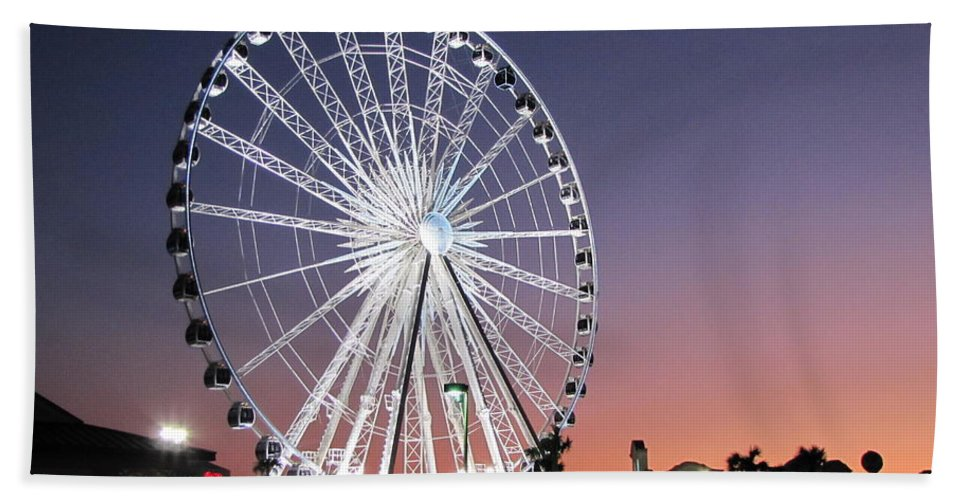 Ferris Wheel Hand Towel featuring the photograph Ferris Wheel 23 by Michelle Powell