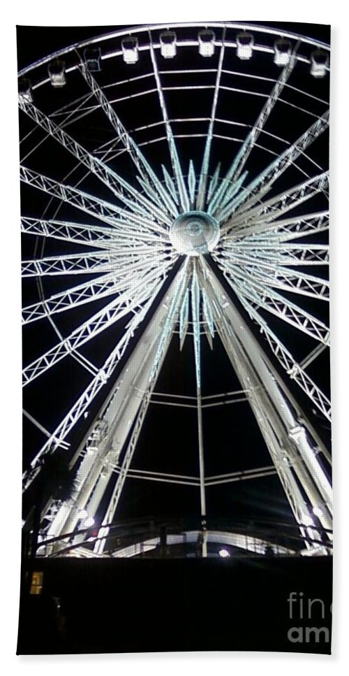 Art Hand Towel featuring the photograph Ferris Wheel 7 by Michelle Powell