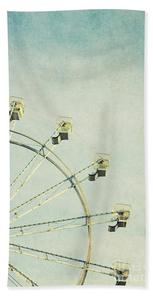 Park Hand Towel featuring the photograph Ferris Wheel by Margie Hurwich