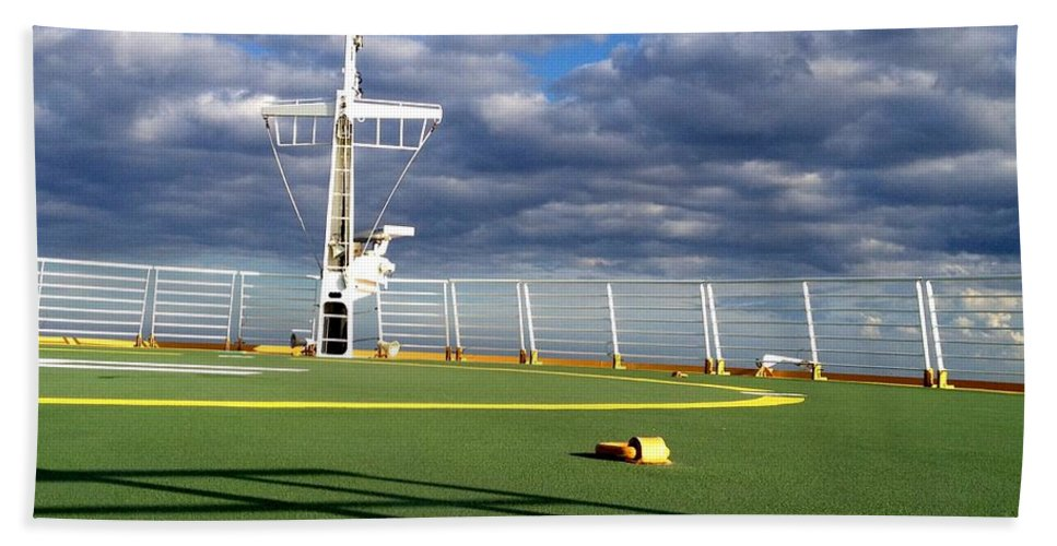 Cruise Hand Towel featuring the photograph Field Of Dreams by David Coleman