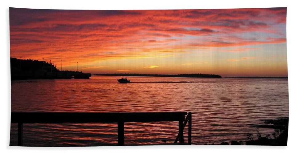 Sunset Bath Sheet featuring the photograph Fiery Afterglow by Ann Horn
