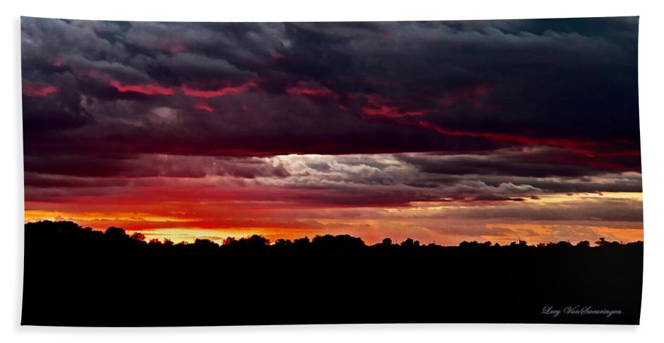 Texas Hand Towel featuring the photograph Fiery Glow by Lucy VanSwearingen