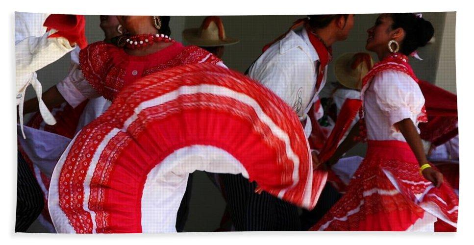 Dancers Hand Towel featuring the photograph Fiesta De Los Mariachis by Joe Kozlowski