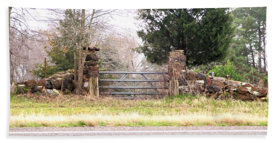Country Hand Towel featuring the photograph Find The Mailbox by Darrell Clakley