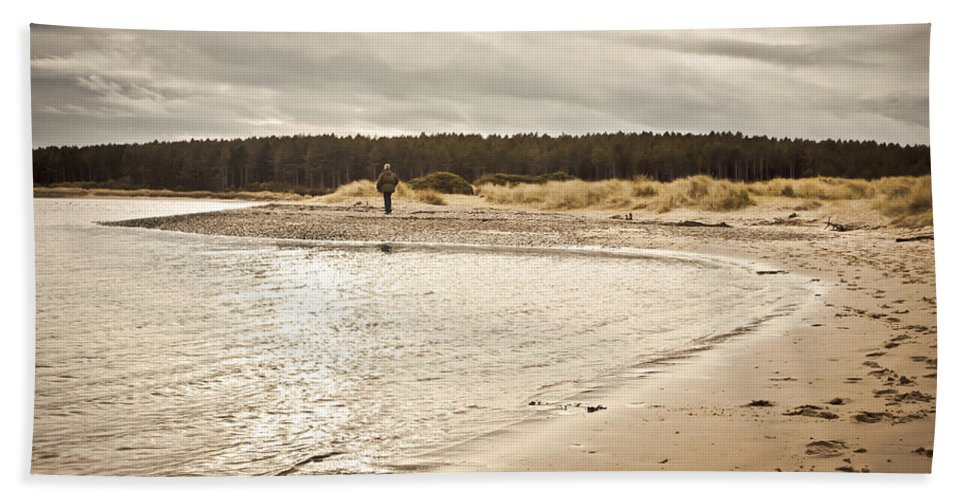 Alone Bath Sheet featuring the photograph Findhorn Beach by Tom Gowanlock