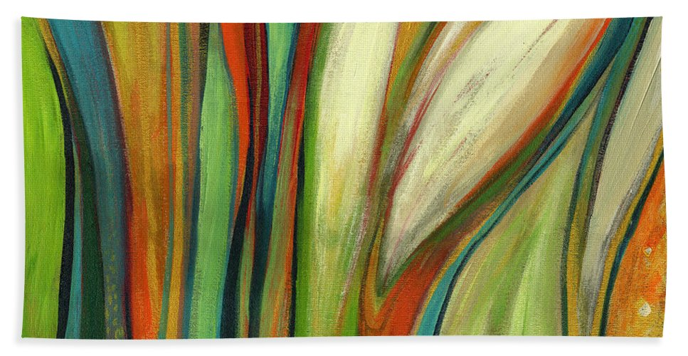 Abstract Bath Towel featuring the painting Finding Paradise by Jennifer Lommers