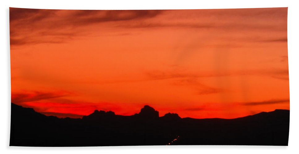 Landscape Hand Towel featuring the photograph Fire In The Sky by James Welch
