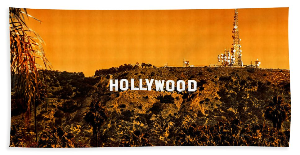 Los Angeles Bath Towel featuring the photograph Fired Up by Az Jackson
