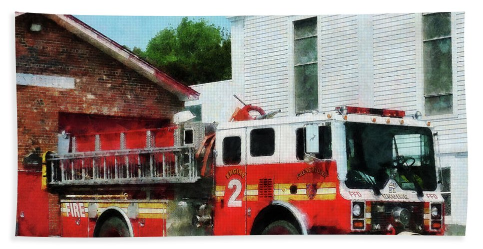 Firefighters Bath Sheet featuring the photograph Fireman - Fire Engine In Front Of Fire Station by Susan Savad