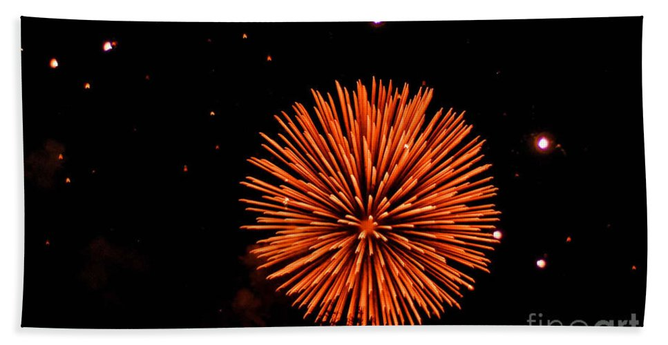 Fireworks Bath Sheet featuring the photograph Fireworks 2014 11 by Wesley Farnsworth