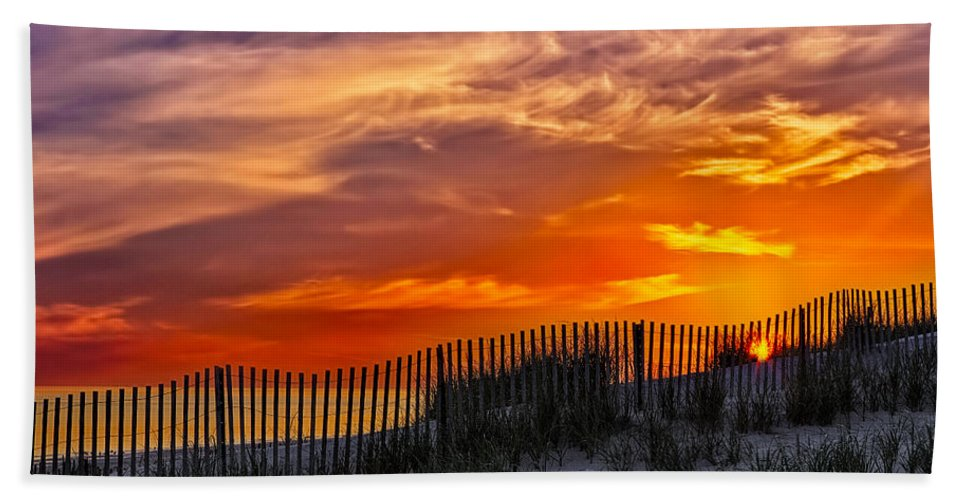 Cape Bath Towel featuring the photograph First Light At Cape Cod Beach by Susan Candelario