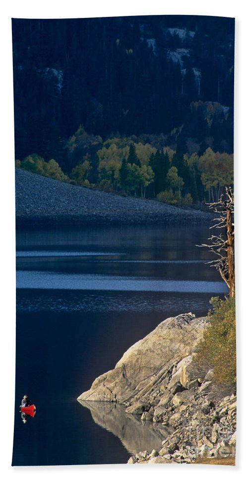 North America Bath Sheet featuring the photograph Fisherman On Lundy Lake Eastern Sierras California by Dave Welling