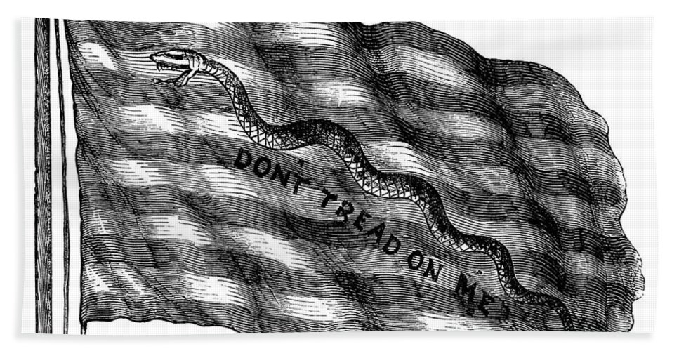 1775 Hand Towel featuring the photograph Flag: Dont Tread On Me by Granger
