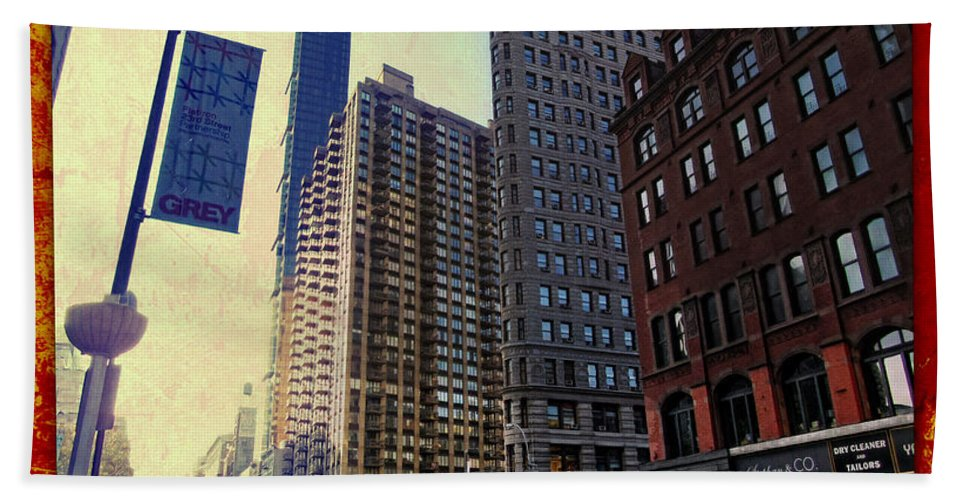Flat Iron Building Bath Sheet featuring the photograph Flat Iron Building Poster by Nishanth Gopinathan