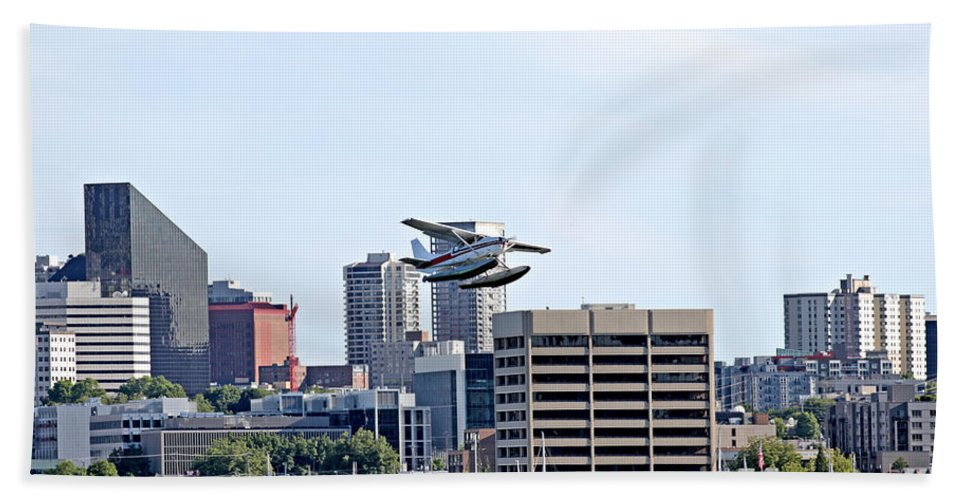 Seattle Bath Towel featuring the photograph Float Plane by Paul Fell
