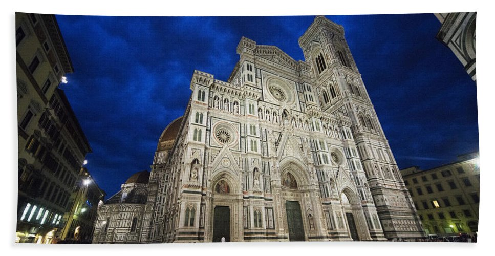 Florence Hand Towel featuring the photograph Florence Cathedral by Rob Hawkins