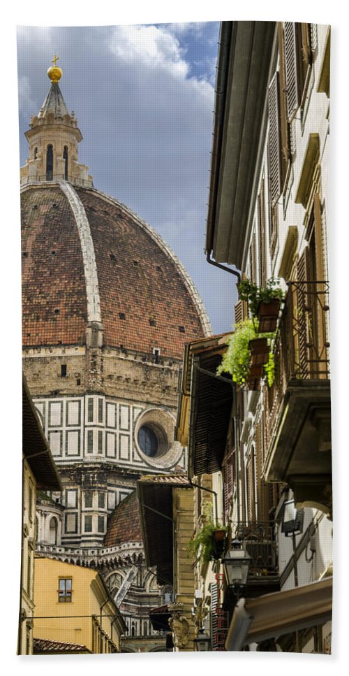 Florence Hand Towel featuring the photograph Florence by Pablo Lopez