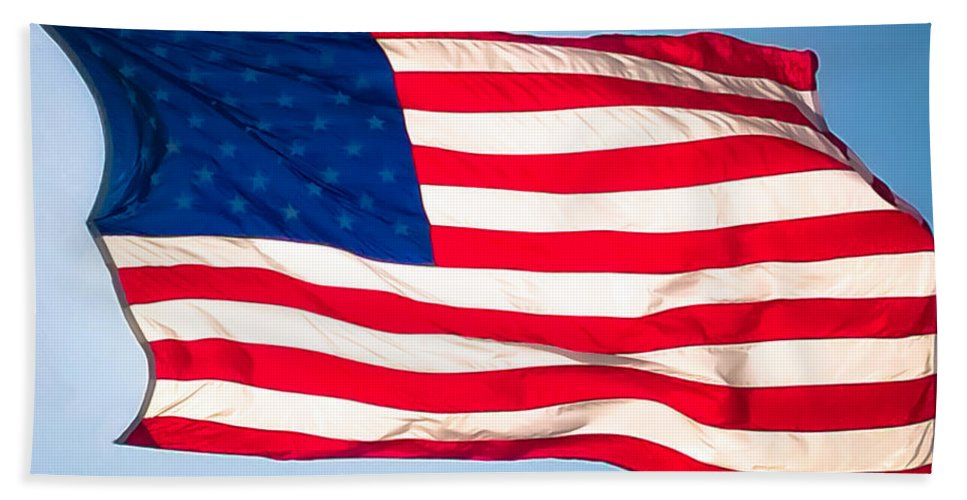 Us Flag Bath Sheet featuring the photograph Flow Of Freedom by Karen Wiles