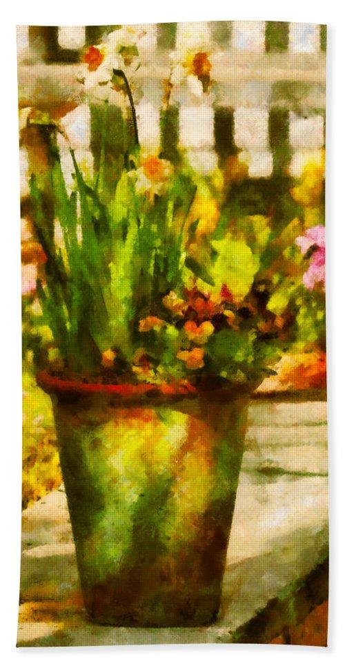 Daffodil Bath Sheet featuring the digital art Flower - Daffodil - A Pot Of Daffodil's by Mike Savad