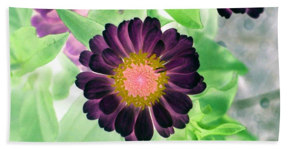 Flower Bath Sheet featuring the photograph Flower Power 1435 by Pamela Critchlow