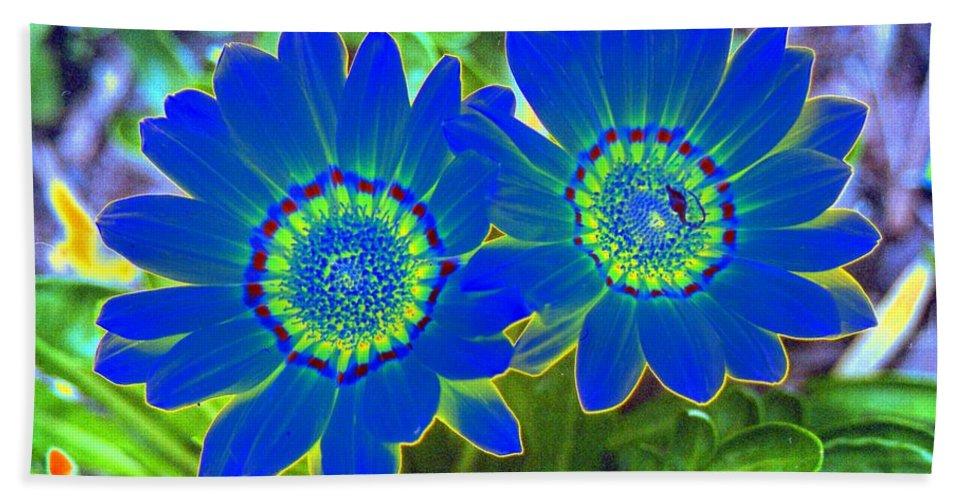Flower Bath Sheet featuring the photograph Flower Power 1451 by Pamela Critchlow