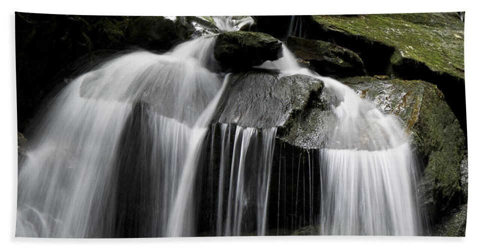 Waterfall Hand Towel featuring the photograph Fluke Fall by Gary Eason