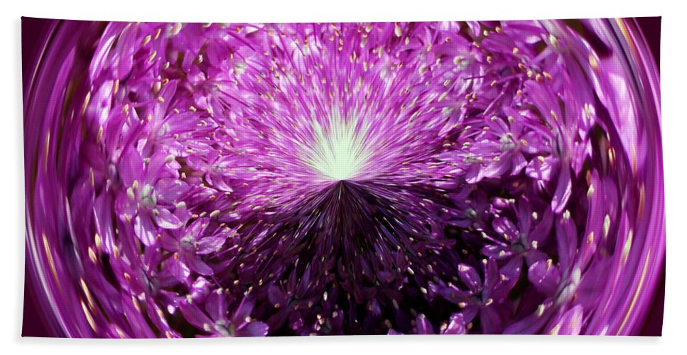 Light Bath Sheet featuring the photograph Follow The Light by Cynthia Guinn