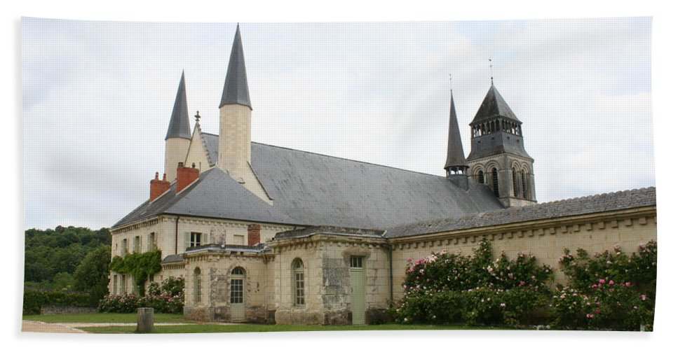Cloister Bath Sheet featuring the photograph Fontevraud Abbey - France by Christiane Schulze Art And Photography