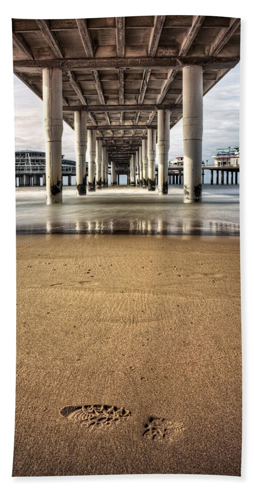 Piers Hand Towel featuring the photograph Footprints In The Sand by Dave Bowman