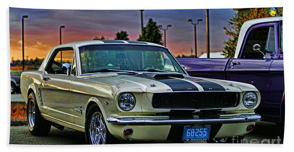 Cars Bath Sheet featuring the photograph Ford Mustang At Sunset by Randy Harris