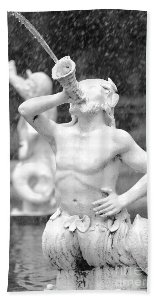 Savannah Bath Sheet featuring the photograph Forsyth Park Fountain - Black And White 1 2x3 by Carol Groenen