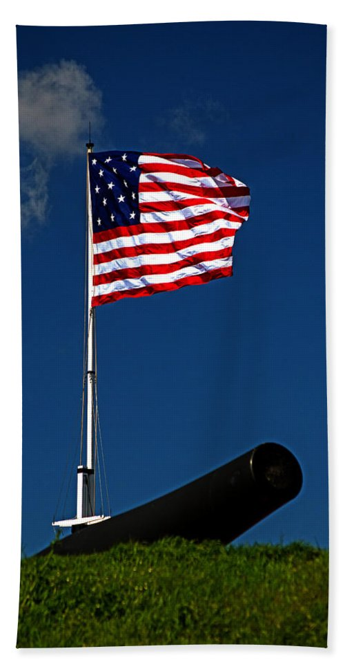 Fort Mchenry Bath Sheet featuring the photograph Fort Mchenry Flag And Cannon by Bill Swartwout Fine Art Photography