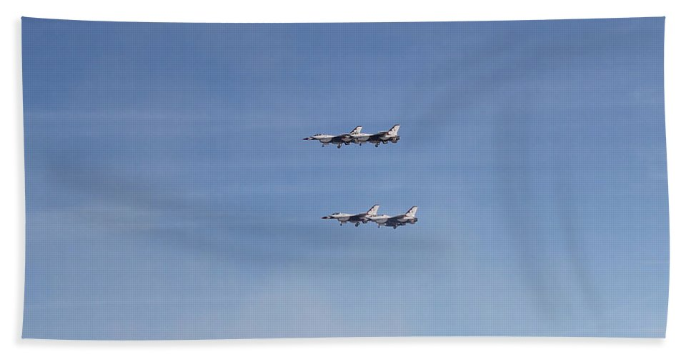 F16s Bath Sheet featuring the photograph Four F-16 Falcons Doing A Slow Flyby by Carl Deaville
