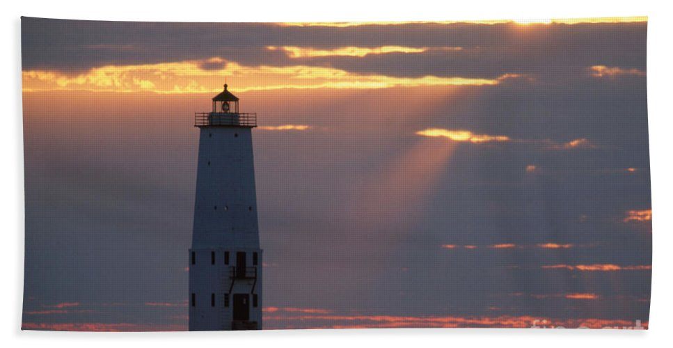 Lighthouse Bath Sheet featuring the photograph Frankfort North Breakwater Lighthouse by David Davis
