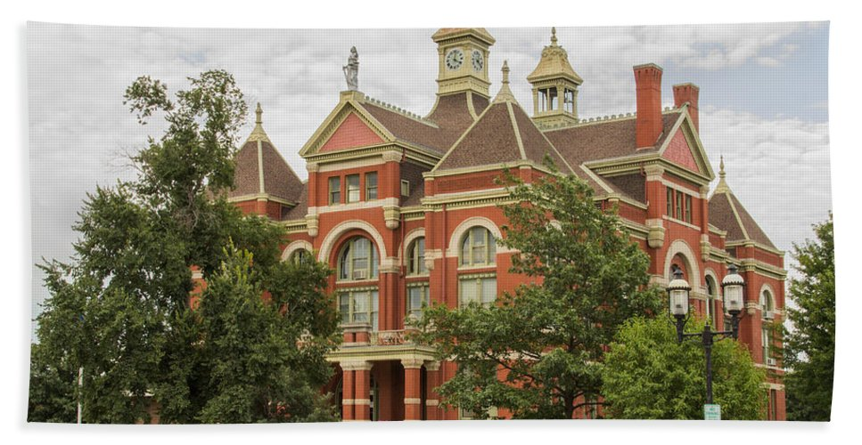 Court Hand Towel featuring the photograph Franklin County Courthouse 3 by Ken Kobe