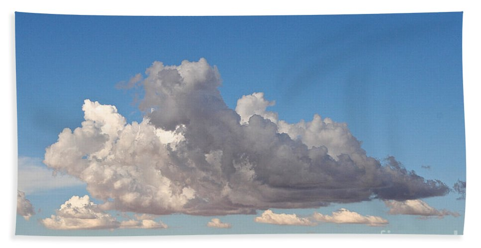 Cloud Bath Sheet featuring the photograph Free Form by Susan Herber