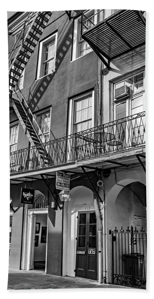 French Quarter Hand Towel featuring the photograph French Quarter Flair Bw by Steve Harrington