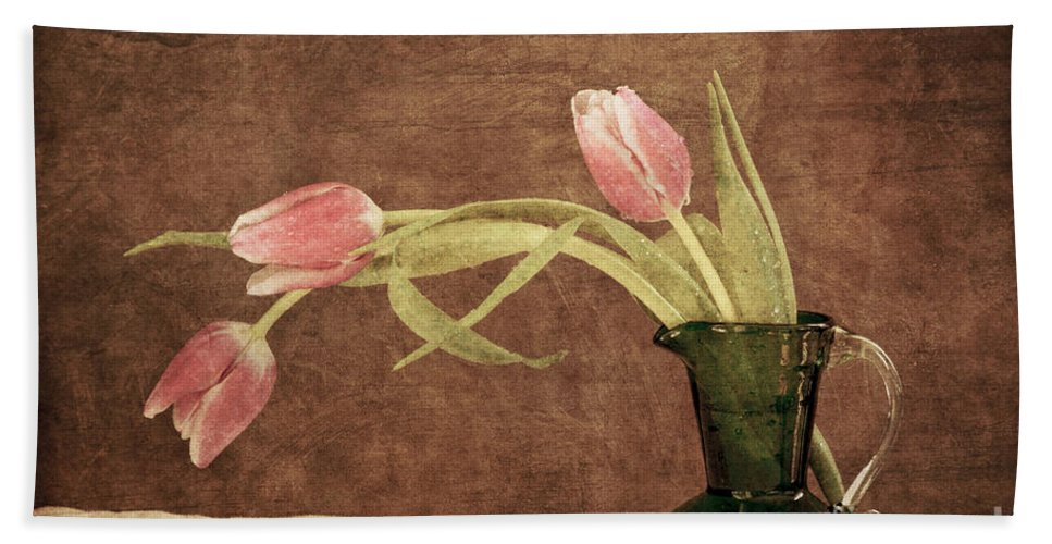 Garden Hand Towel featuring the photograph Fresh From The Garden II by Alana Ranney