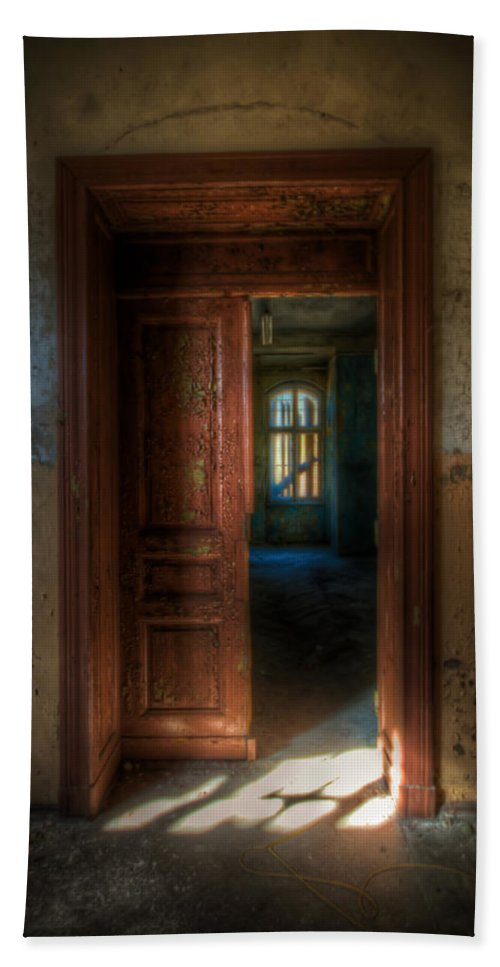Horror Hand Towel featuring the digital art From A Door To A Window by Nathan Wright