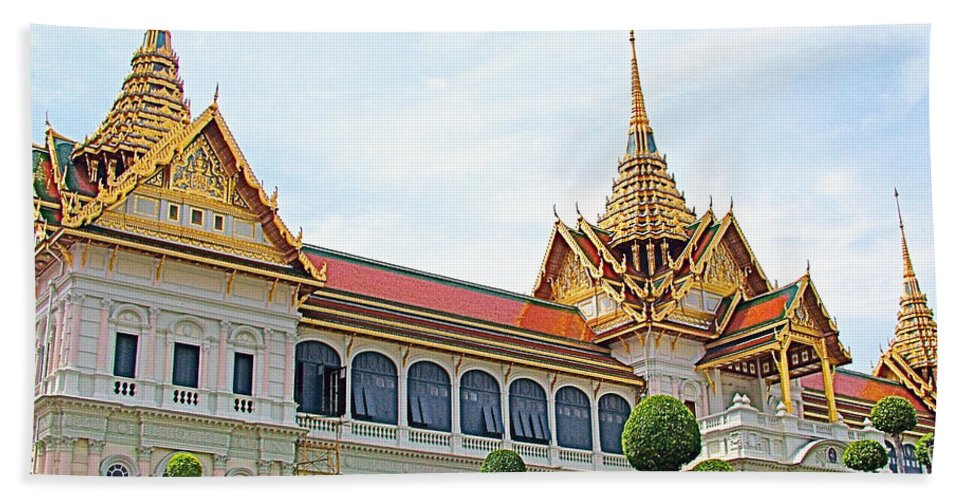 Front Of Reception Hall At Grand Palace Of Thailand In Bangkok Hand Towel featuring the photograph Front Of Reception Hall At Grand Palace Of Thailand In Bangkok by Ruth Hager