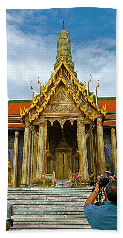 Front Of Thai-khmer Pagoda At Grand Palace Of Thailand In Bangkok Hand Towel featuring the photograph Front Of Thai-khmer Pagoda At Grand Palace Of Thailand In Bangkok by Ruth Hager