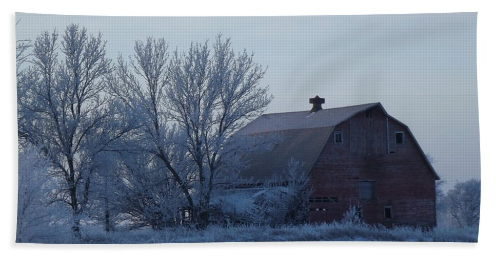 Frost Hand Towel featuring the photograph Frosty Barn by Bonfire Photography